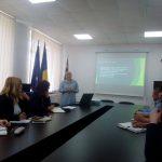 Учасники зустрічі  знайомляться  з досвідом з енергозбереження м. Чернигів