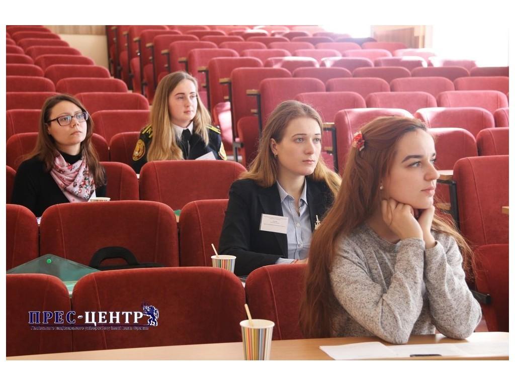 Студентка ІДГУ Мунтян Альона - учасниця ІІ туру Всеукраїнського конкурсу студентських наукових робіт зі спеціальності «Переклад»