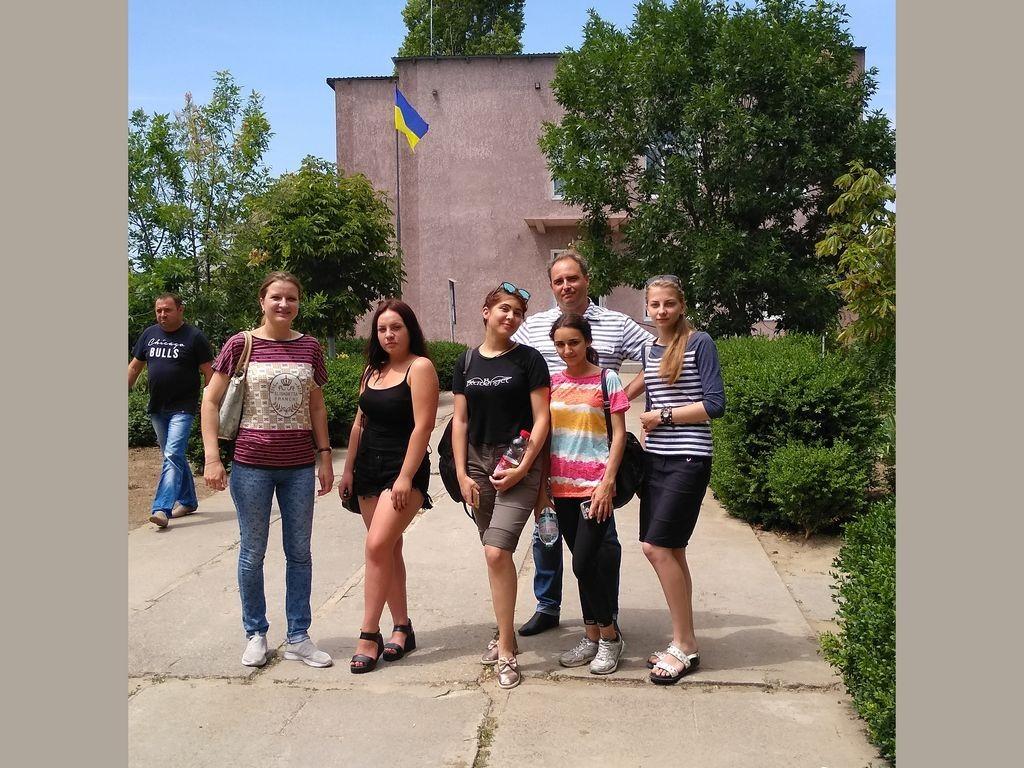 Учасники експедиції біля Приморської сільради