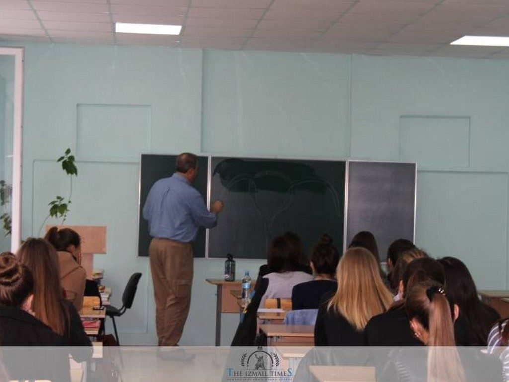 Спілкування студентів факультету іноземних мов ІДГУ з носіями мови
