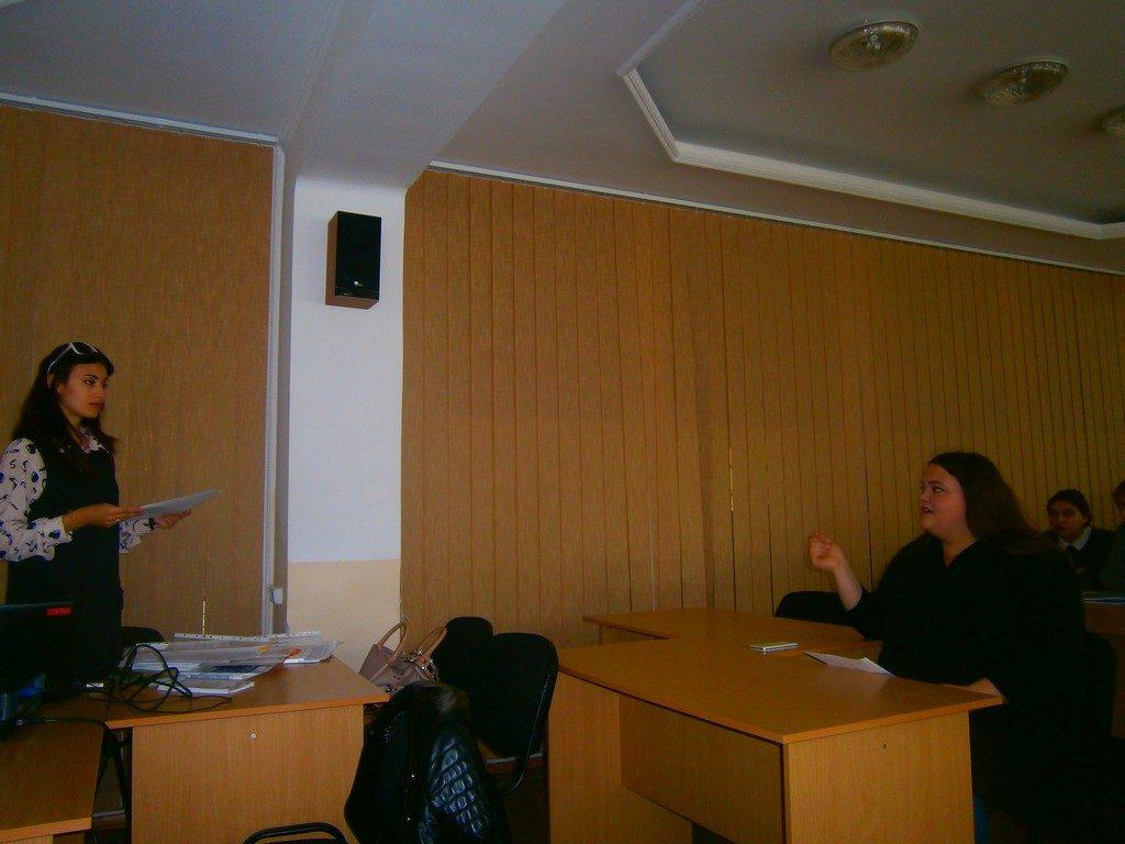 В ІДГУ обговорювали тему насильства у сучасному світі