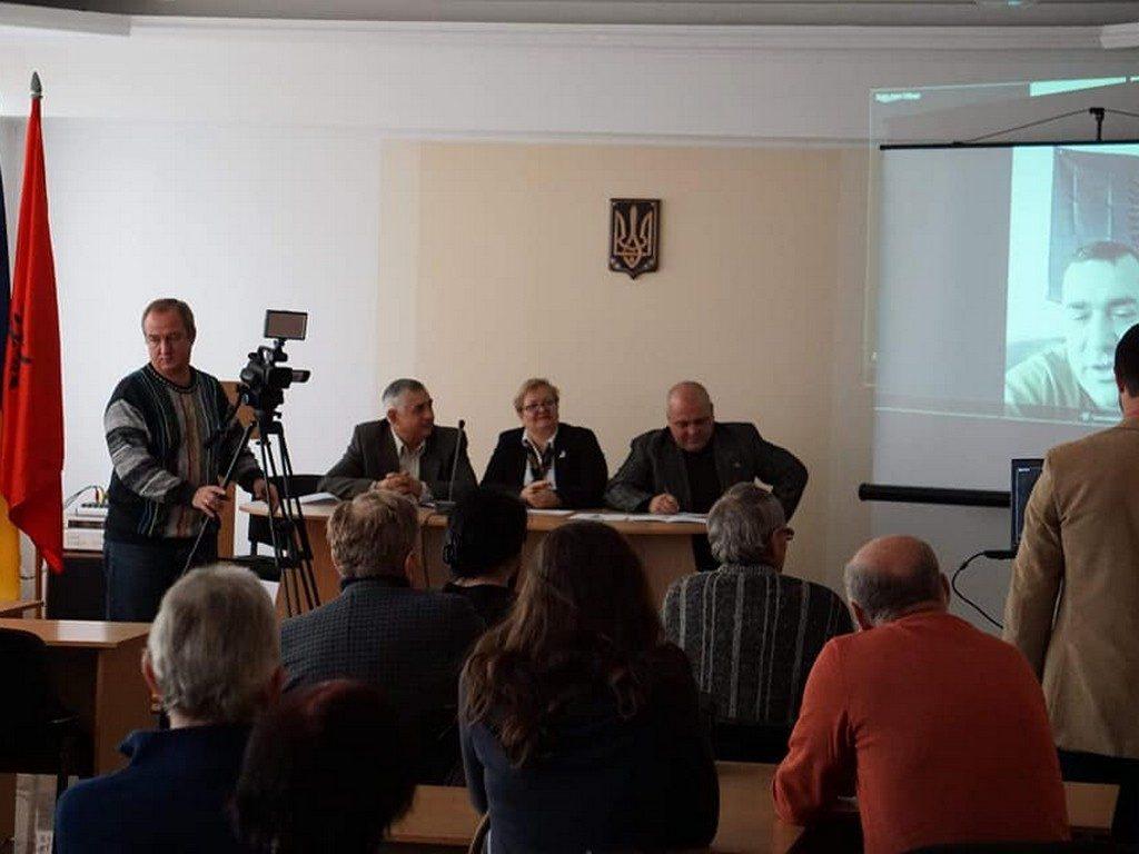 Засідання круглого столу в ІДГУ, присвячене Дню прапора Республіки Албанія