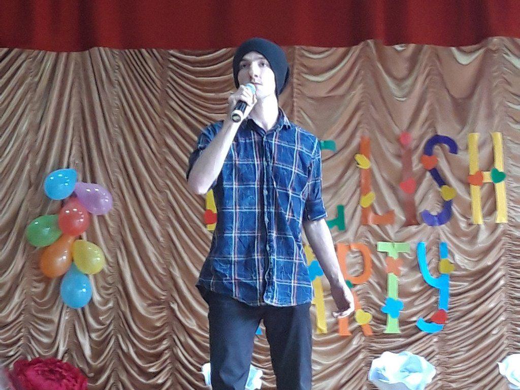 """В ІДГУ в рамках Фестивалю науки та арт-проектів відбувся Вечір англійської мови """"English Party"""""""