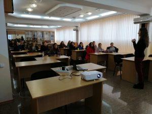 Неллі Петлик у своїй презентації розповіла студентам про особливості американської вищої школи