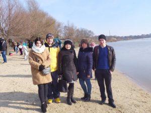 19 січня представники кафедри фізичної культури, біології та основ здоров'я взяли участь у хрещенських купаннях на Дунаї
